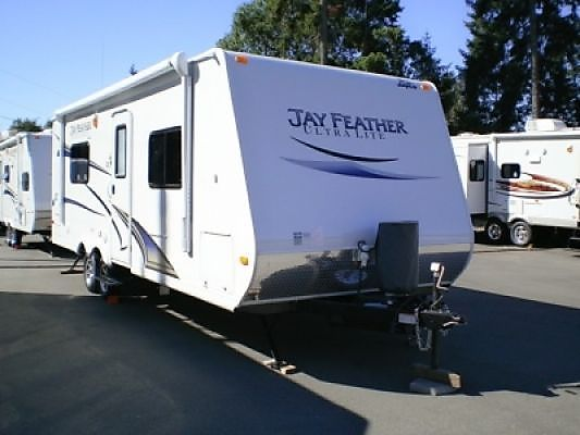 2012-Jayco-Jay-feather-221-ultra-lt-