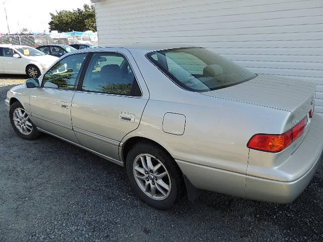 2001 Toyota  LE V6