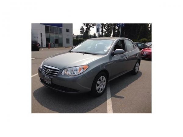 2010-Hyundai-Elantra-