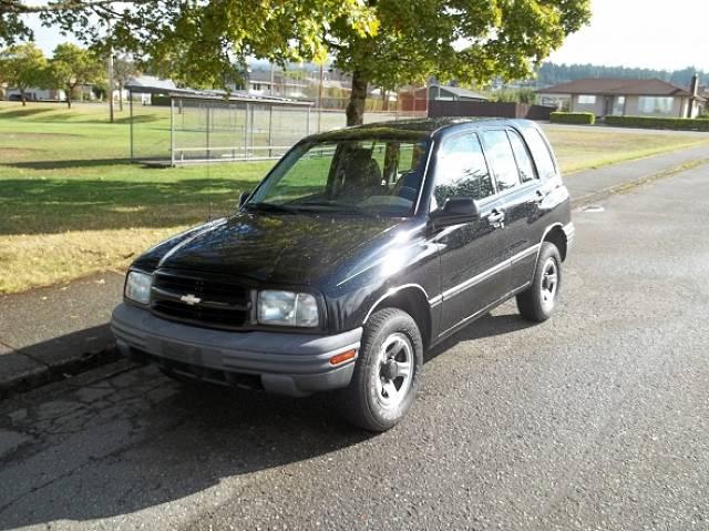 2002-Chevrolet-Tracker-